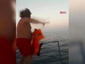 Antalya'da amatör balıkçıları kurtardı