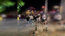 Antalya'da gençlerin tekmeli yumruklu kavgası kamerada
