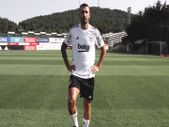 Beşiktaş'tan hoş geldin Mehmet Topal videosu