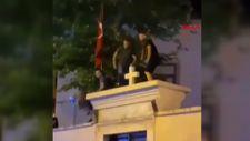 Kadıköy'de kilise kapısı üzerinde dans ettiler