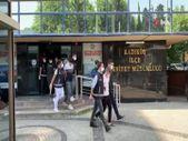 Kadıköy'de kilise duvarında dans eden 3 şüpheli adliyeye sevk edildi