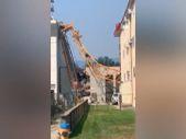 Kanada'da inşaat sahasında vinç çöktü