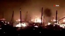 Lübnan'da Suriyeli mültecilerin kampı alev alev yandı