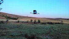 Siirt'te yaşayan 47 yaşındaki Burhan Canpolat uçan araba yaptı