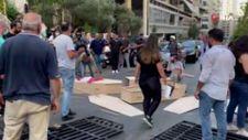 Lübnan'da tabutlu protesto: Patlamada ölenlerin aileleri adalet istedi