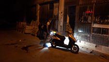 İzmir'de ev basıp, 2 kişiyi bıçakladı
