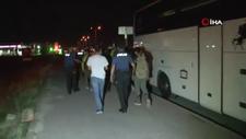 Kayseri'de kendilerini Afganistanlı gibi tanıtan 12 Pakistanlı düzensiz göçmen yakalandı