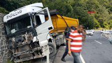 Zolguldak'ta yola dökülen mazot kazalara sebep oldu
