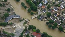 Almanya'da sel felaketi hayatı felç etti