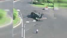 Askeri helikopter, trafiğin ortasına acil iniş yaptı