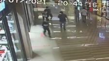 Bakırköy'deki AVM'de küçük çocuğa tekme tokat şiddet