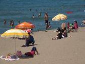 Bartın'ın mavi bayraklı plajı İnkum, tatilcilerle doldu