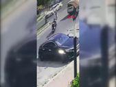 Başakşehir'de yolun karşısına geçmeye çalışan kıza moto kurye çarptı