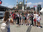 Taksim'e turist akını