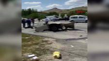 Ankara'da makas atarak ilerleyen araç ortadan ikiye bölündü