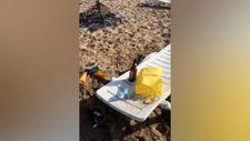 Bozcaada'daki plaj, parti sonrasında çöplüğe döndü