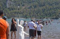 Kızkumu Plajı turist akınına uğradı