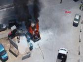Denizli'de park halindeki minibüs, alev alev yandı
