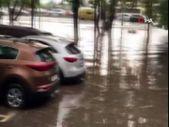 Ukrayna'da sağanak yağış su baskınlarına neden oldu
