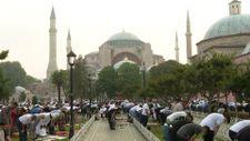 Ayasofya Camii'nde bayram namazı kılındı