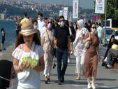 Bayramın birinci gününde Üsküdar Sahili'ndeki yoğunluk