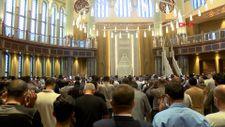 Taksim Camii'nde ilk bayram namazı kılındı