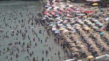 Amasra'da plajlar doldu, şemsiye açacak yer kalmadı