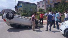 Karabük'te korkuluklara çarpan araç takla atarak durabildi