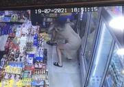 Taksim'deki bir markette kadına elle taciz