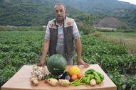 Tokat'ta atıl araziyi tarıma kazandırdı