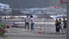 Muğla'da plajda tekme tokat kavga anları kamerada