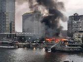 Mısır'da, Nil Nehri kıyısındaki gemi alev alev yandı