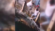 Haliç'te denize düşen yavru kedinin kurtarılma anları kamerada