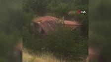 Amasya'da selin evi yıkma anı