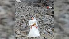 Gelinlik giyip sembolik olarak Ağrı Dağı ile evlendi