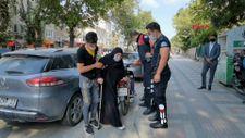 Bursa'da hasta kadını polisler evine bıraktı