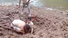 Çin'de 7 saat çamurda mahsur kalan 92 yaşındaki kadın kurtarıldı