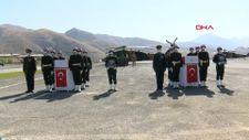 Kuzey Irak şehitleri için Hakkari Dağ ve Komando Tugayı'nda tören düzenlendi