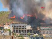 Muğla'da orman yangını iki otelin bahçesine dayandı