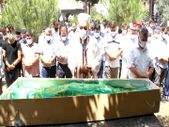 Samsun'da genç öğretmenin cenaze namazını imam babası kıldırdı