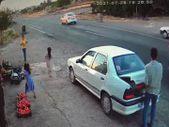 Şanlıurfa'da çocuğun kazadan kurtulma anı güvenlik kamerasına yansıdı