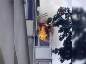 Üsküdar'da 3 katlı apartmandaki evin alev alev yandığı anlar