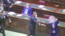 İtalya'da Temsilciler Meclisi'nde 'Yeşil Geçiş' protesto edildi