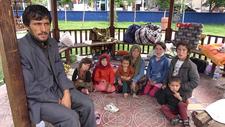 Van'da Afgan göçmenler parklarda yatıp kalkıyor