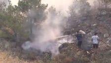 Vatandaşlar Silifke'deki yangını söndürme çalışmalarına yardım ediyor