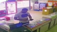 Arnavutköy'de çaldığı telefonu satmaya çalışan hırsız
