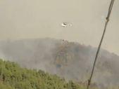 Gündoğmuş'taki yangına müdahale eden helikopterler