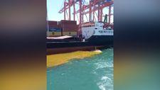 Mersin'de denize paslı su boşaltıldı