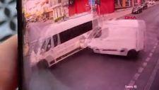 Ümraniye'de servis minibüsü kazası