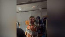 ABD'de hosteslere yumruk atan yolcu uçağın koltuğuna bantlandı